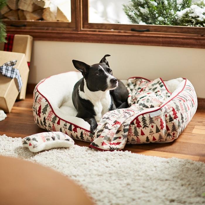 Frisco Christmas Tree Dog